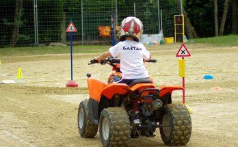Le quad, une activité de rêve pour un enfant ?